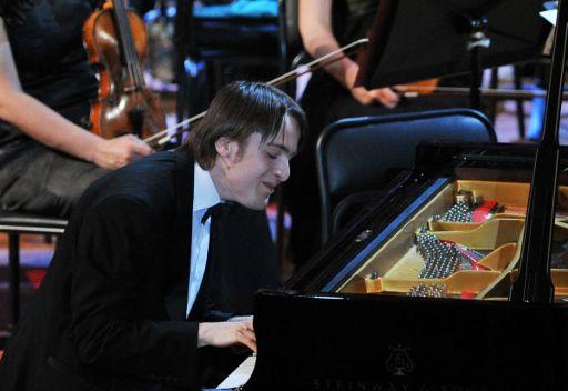 روسي يفوز في مسابقة تشايكوفسكي لعازفي البيانو وأرمني يحصل على الجائزة الأولى بمسابقة عازفي الفيولونسيل