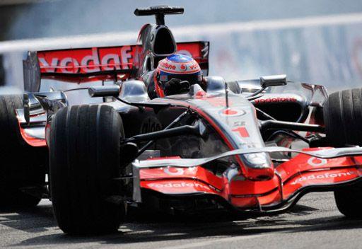 باتون يتوج بجائزة هنغاريا الكبرى للفورمولا وان