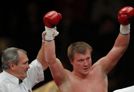 بوفيتكين يواجه تشاغاييف على لقب بطل العالم للملاكمة