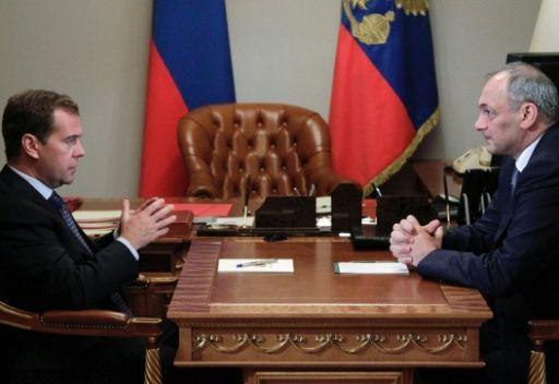مدفيديف يؤكد مواصلة مكافحة الارهاب والتطرف في جمهورية داغستان