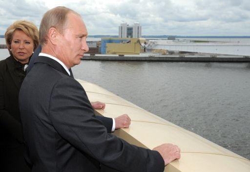 بوتين يدشن منظومة سدود لحماية بطرسبورغ من الفيضانات