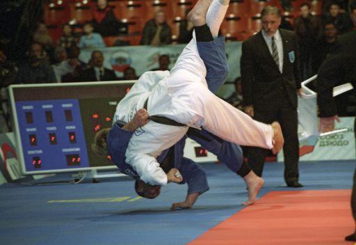 الروسي يارتسيف يفوز بالميدالية الذهبية في اليونيفرسياد