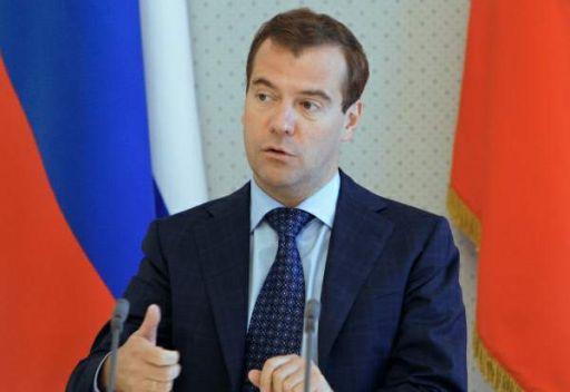 مدفيديف يوقع على المرسوم بشأن انضمام روسيا الى العقوبات الدولية ضد ليبيا