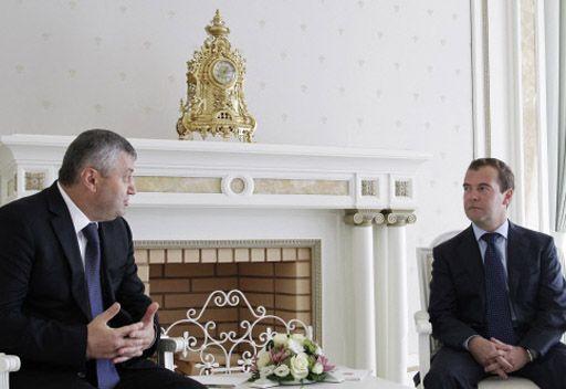 رئيسا روسيا وأوسيتيا الجنوبية يبحثان سبل التعاون على الصعيد الخارجي