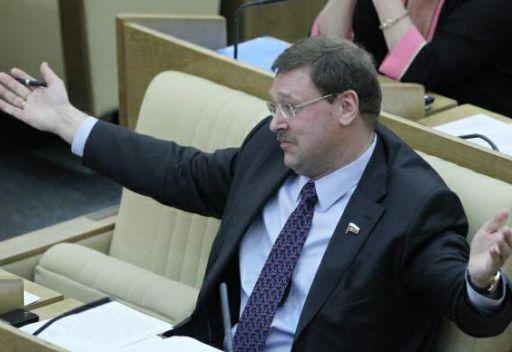 نائب روسي: على القذافي الاعتراف بهزيمته