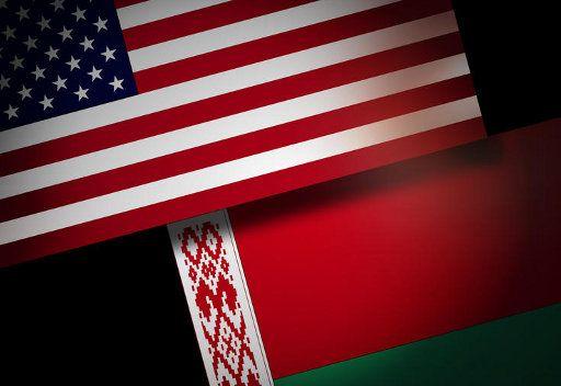 العلمين البيلاروسي والامريكي
