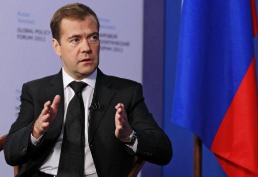 مدفيديف: يجب بدء الحوار في سورية لوقف إراقة الدماء