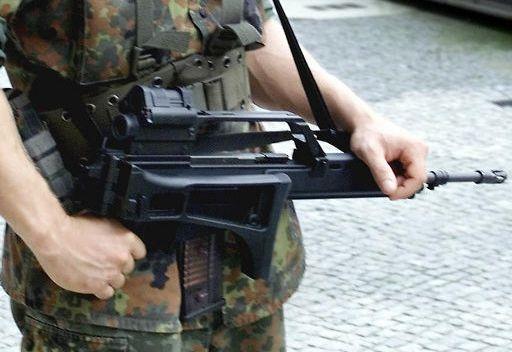 العثور على أسلحة ألمانية في مقر القذافي