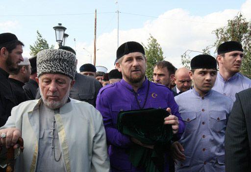 كوب النبي يحط في جامع عاصمة الشيشان