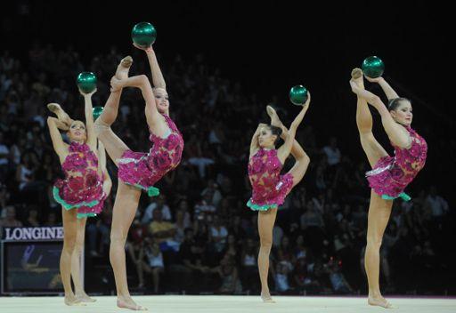 روسيا تحرز ذهبيتها السابعة في بطولة العالم للجمباز الإيقاعي