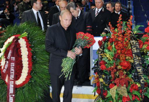 بوتين يشارك في مراسم وداع لاعبي فريق هوكي الجليد