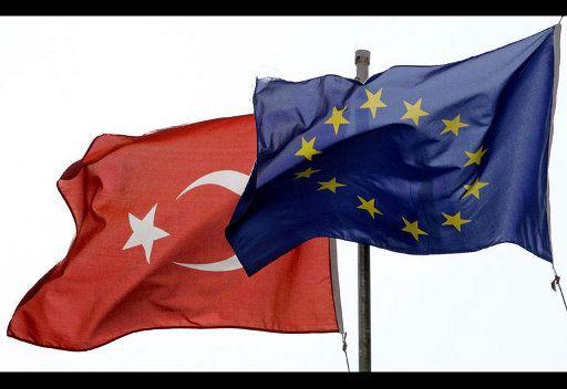 تركيا تهدد بتجميد علاقاتها مع الاتحاد الاوروبي اذا استلمت قبرص رئاسته