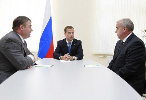 مدفيديف يعين سوخوروكوف نائبا اول لوزير الدفاع ومسؤولا عن تنفيذ الطلبيات الحكومية الدفاعية