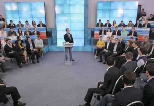 مدفيديف: روسيا ارتقت الى الموقع الثامن عالميا  بتمويل الدولة للبحوث في ميدان الابتكارات