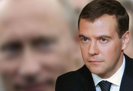 مدفيديف: قرار ترشيح بوتين لمنصب الرئاسة لا عودة الى الماضي وانما اسلوب لحل المهمات المطروحة