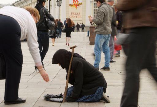 مدفيديف يشدد على ضرورة الاستمرار في مواجهة الفقر ومكافحة الفساد