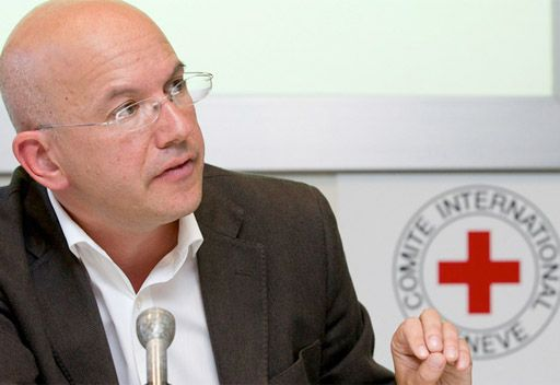 الصليب الاحمر الدولي: كان يحق للقذافي المصاب ان يعامل بانسانية