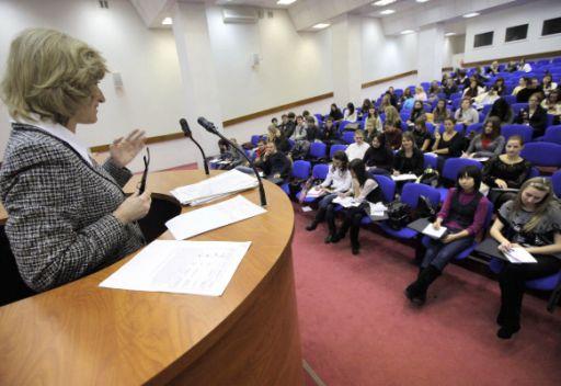 مدفيديف:ستدرج بعض الجامعات الروسية في قائمة الجامعات العالمية العشر الاولى