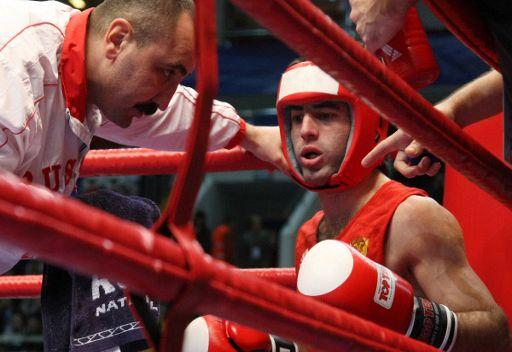 الروسي  ميشا ألويان بطل العالم في الملاكمة للهواة