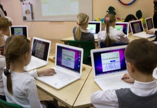 اغلبية الروس يؤيدون فكرة استخدام مستجدات التقنية في العملية الدراسية