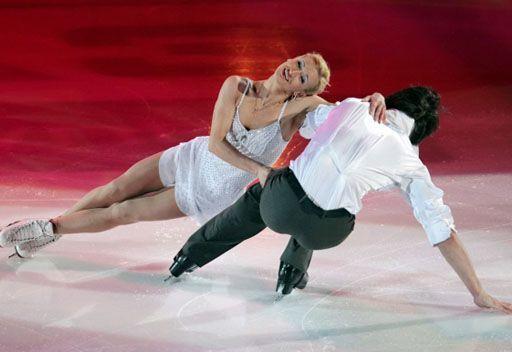 الزوجي الروسي فولسوجار وترانكوف يتوج بذهبية التزلج على الجليد