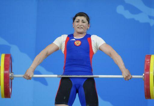 تساروكايفا تهدي روسيا أول ميدالية ذهبية في بطولة العالم لرفع الأثقال
