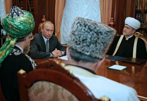 بوتين يهنئ رؤساء الادارات الدينية لمسلمي روسيا بعيد الاضحى المبارك