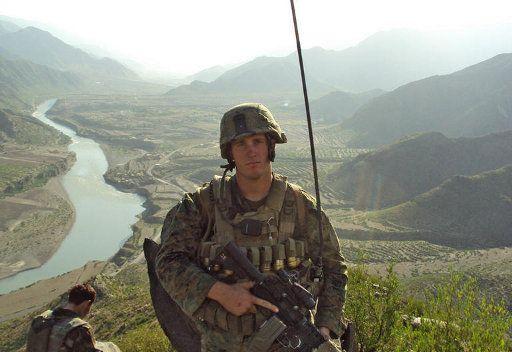 لافروف: موسكو تريد توضيحات بشأن الوجود العسكري الامريكي في افغانستان بعد عام 2014