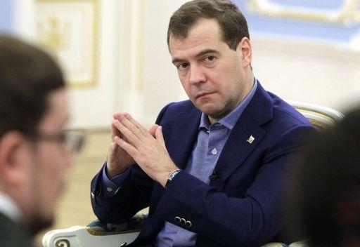 مدفيديف يشيد بتعاون روسيا مع البحرين وتطور العلاقات مع تونس