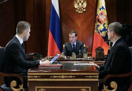 مدفيديف : العنف ضد الاطفال من روسيا في الخارج ينبغي ان يكون معاقب عليه في جميع الاحوال