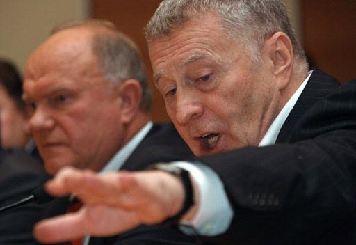 جيرينوفسكي وزيوغانوف يشاركان في الانتخابات الرئاسية الروسية
