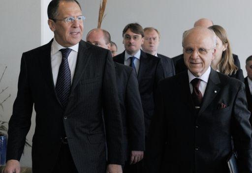 البرنامج النووي الإيراني وتسوية نزاع الشرق الأوسط في صلب محادثات وزيري خارجية روسيا والجزائر