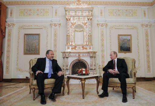 اسرائيل لا تشاطر روسيا موقفها من القضية الفلسطينية وتعرب عن القلق من توريد السلاح الى سورية