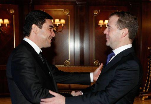 مدفيديف يتمنى لنظيره التركماني النجاح في الانتخابات الرئاسية القادمة