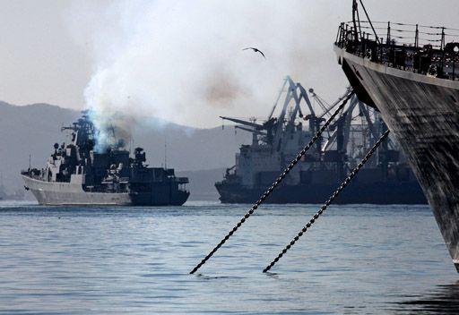خليج عدن .. وصول ثلاث سفن حربية روسية لحماية السفن المدنية