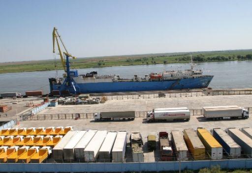 إيران تبدي استعدادها للأستثمار في عملية تجهيز ميناء اوليا في مقاطعة استراخان الروسية
