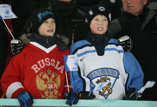 روسيا تكتسح فنلندا بهوكي الجليد بالكرة