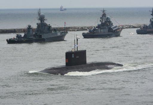 مسؤول روسي:  6 غواصات وحاملة طائرات تلتحق بالبحرية الروسية حتى نهاية 2012