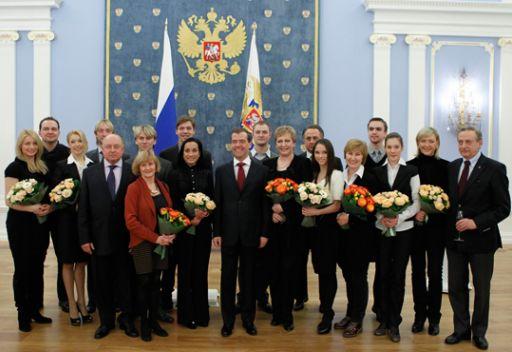 مدفيديف: الدولة ستسخر جميع الإمكانيات للرياضيين الروس في استعدادهم لاولمبياد سوتشي