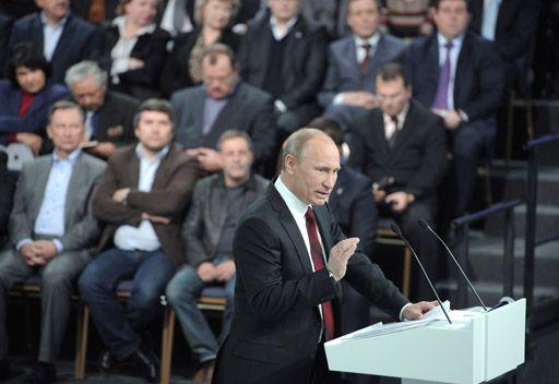 بوتين: الطبقة المتوسطة يجب ان تشكل غالبية اجتماعية في روسيا