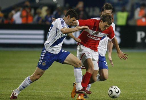 دينامو كييف يفوز في الدربي