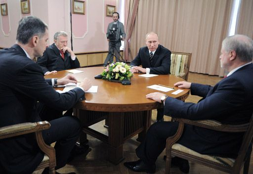 بوتين يشكر منافسيه في الانتخابات على الكفاح الصارم والنظيف ويدعوهم الى تظافر الجهود