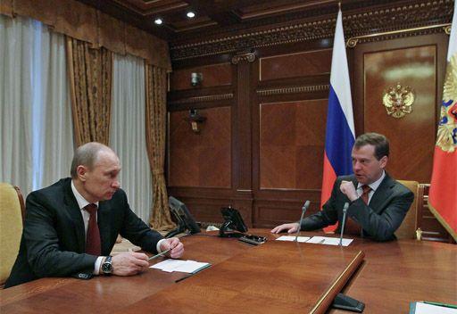مدفيديف يجري مشاورات مع بوتين بشأن الحكومة الجديدة