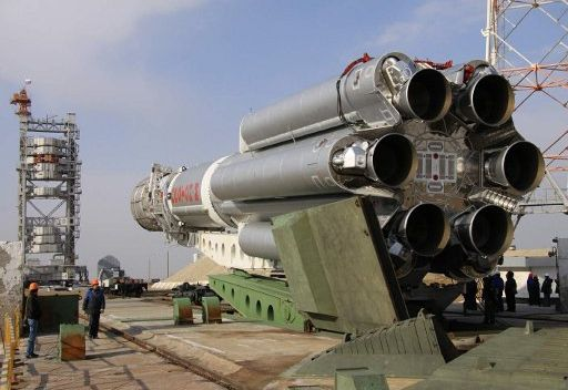 اطلاق الصاروخ الناقل