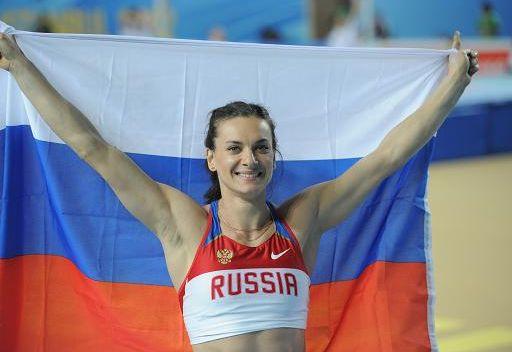 إيسنبايفا بطلة للعالم في القفز بالزانة داخل القاعات