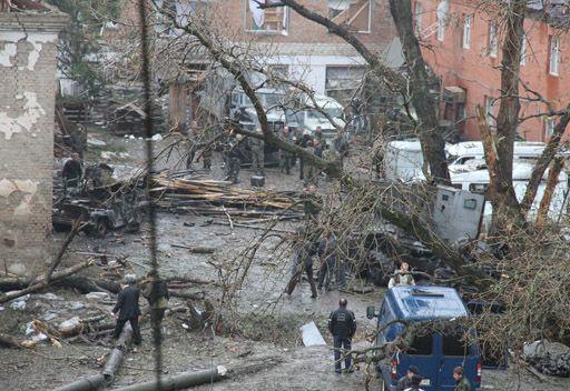 مقتل شخصين وجرح ثلاثة في سلسلة تفجيرات في محج قلعة
