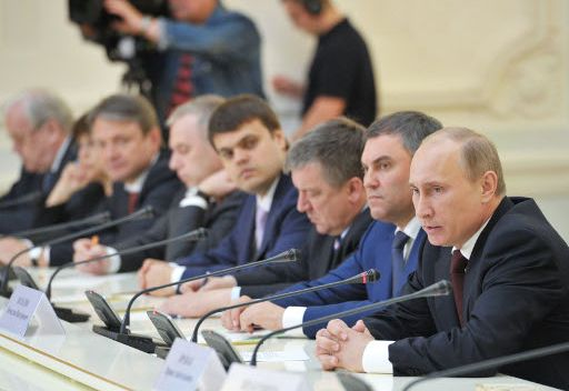 بوتين يطرح اسم مدفيديف كمرشح لزعامة حزب