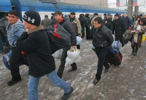 مدفيديف: يجب حث بلدان الجوار على مواجهة الهجرة غير الشرعية