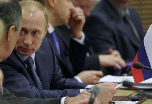 بوتين يكلف الحكومة بوضع اجراءات لمنع وقوع نزاعات قومية وتحديث القوات المسلحة الروسية
