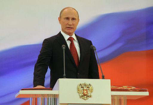 الأسد يهنئ بوتين بمناسبة تسلمه المهام الرئاسية في روسيا